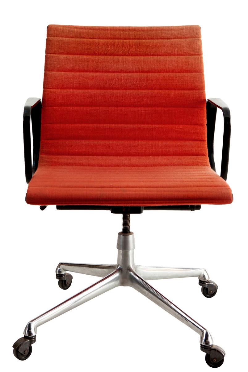 Charles Eames Bureaustoel.Charles Ray Eames Bureaustoel Mutualart