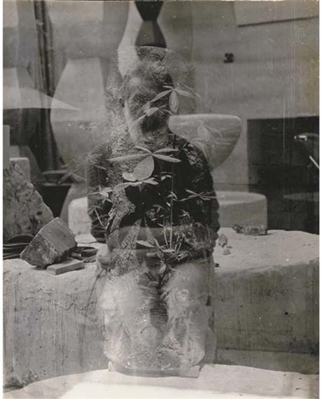 brancusi constantin autoportrait dans l 39 atelier et tronc d 39 arbre paris vers 1933 1933. Black Bedroom Furniture Sets. Home Design Ideas