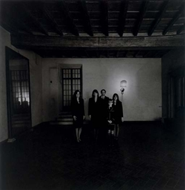 Artwork by Patrick Faigenbaum, Famille Lepri, Rome, 1987, Made of gelatin silver print