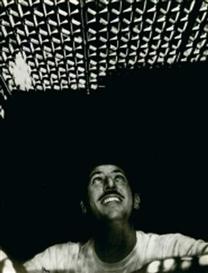 """Artwork by Sam Shaw, Portrait de l'employé actionnant le ventilateur sous la grille de métro dans le film """"Sept ans de réflexion, Made of silver gelatin print"""