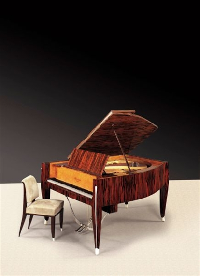 Artwork By Unknown , PIANO DEMI QUEUE ET SON SIÈGE, Made Of A Macassar