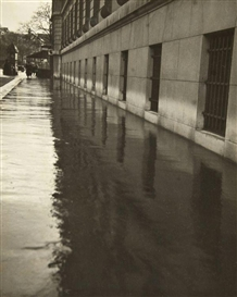 Artwork by Pierre Jahan, Le Trottoir sous la Pluie, Made of Vintage gelatin silver print