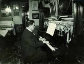Eli Lotar, Piano player
