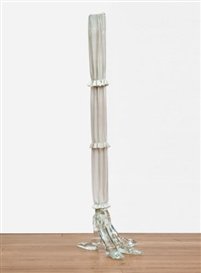 Artwork by Luciano Fabro, Piede, Made of Murano glass and silk fabric
