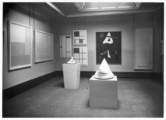Veduta della mostra astratto e concreto, Lefevre Galley, London, 1936