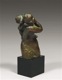 Artwork by Idel Ianchelevici, Mère jouant avec son enfant, Made of Bronze with green patina