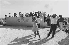 Garry Winogrand, Apollo 11 Moon Shot, Cape Kennedy, Florida, 1969