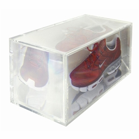Artwork by Kohei Nawa, PIXCELL[SHOE#3(L)], Made of mixed media