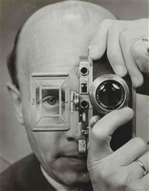 Artwork by Umbo, Self-portrait with Leica, Made of Silver print