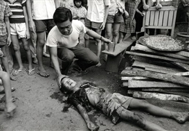 "Philip Jones Griffiths, ""Saigon Under Attack"""