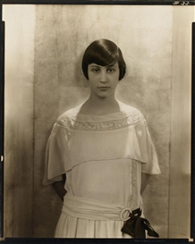 Edward Steichen, Untitled (Fashion photograph for Vanity Fair).