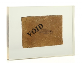 Artwork by George Brecht, Void, Made of fossil in plexiglas