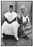 Seydou Keïta, Traditionell gekleidetes Paar mit seinem Kind