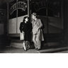 Walter Rosenblum, Couple in front of  Billiard Parlor, Pitt St.1938