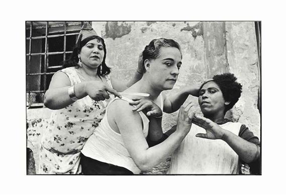 an analysis of the photographs allee du prado marseille and seville spain by henri cartier bresson Ο henri cartier-bresson ήταν ένας από τους σημαντικότερους φωτογράφους του 20ου αιώνα γεννήθηκε στις 22 αυγούστου του 1908 στην περιοχή seine et marne, κοντά στο παρίσι.