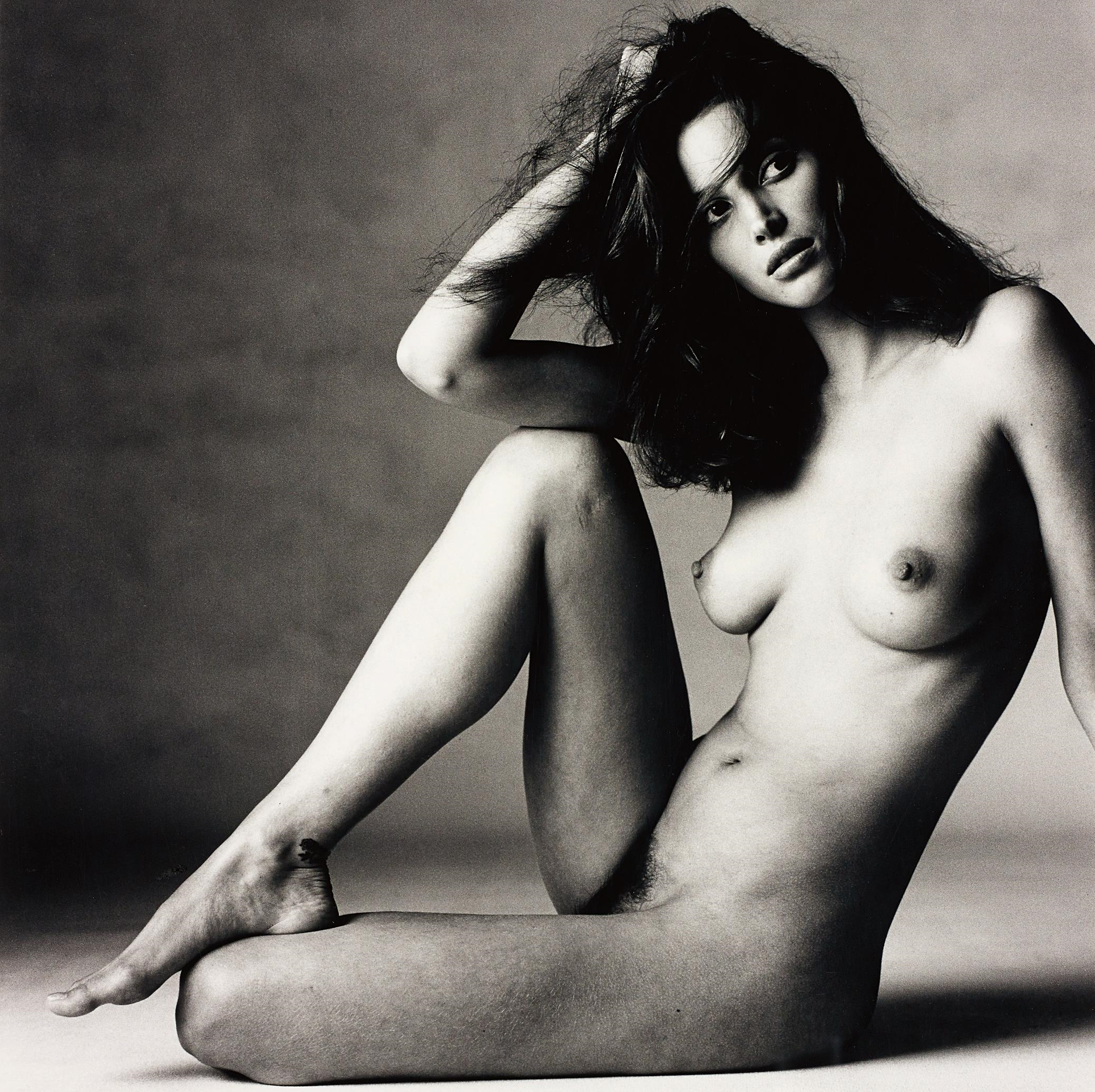 tastefull naked woman