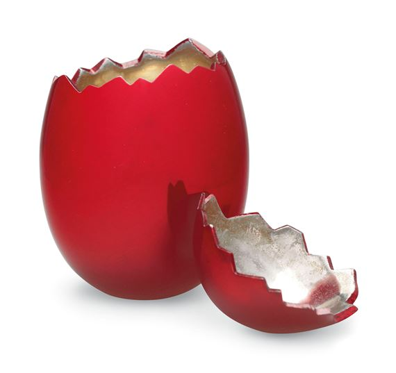 i cracked an egg and it was red